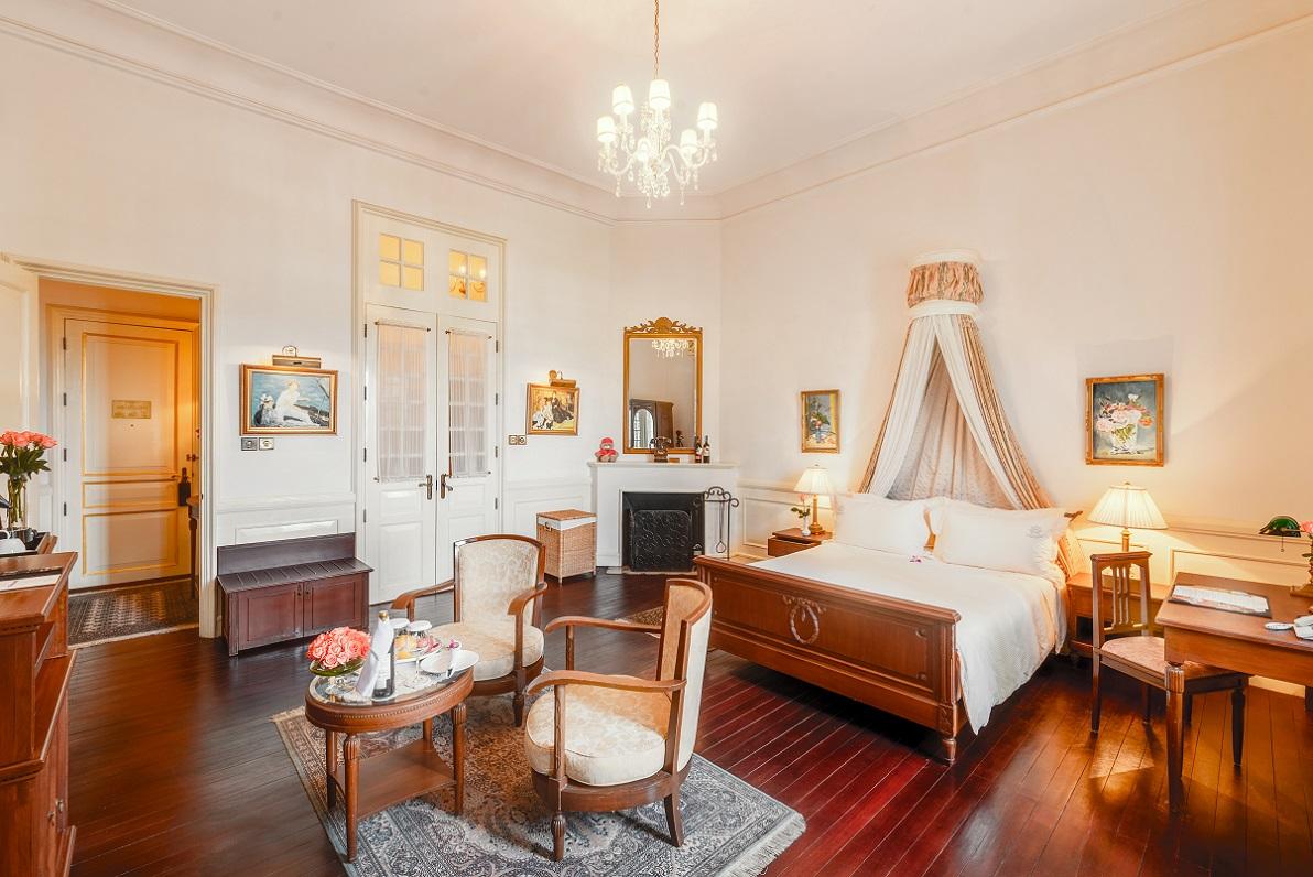 Luxury with Balcony