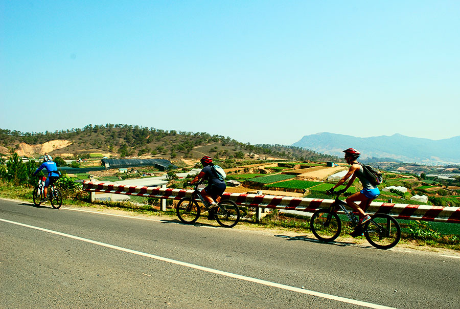 Cycle From Dalat To Bidoup National Park and Nhatrang (2days 1night)