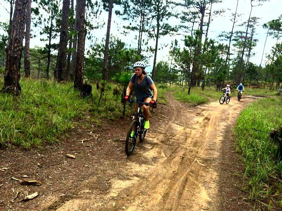 Dalat Heavy trail tour