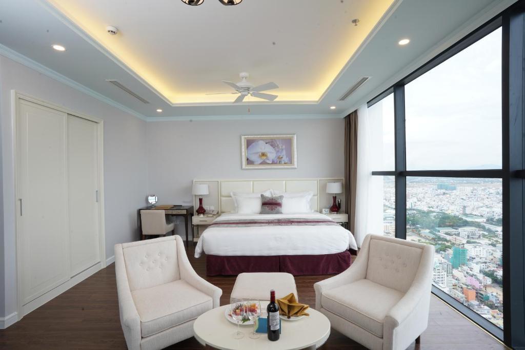 Grand 2-Bedroom Ocean View (BB)