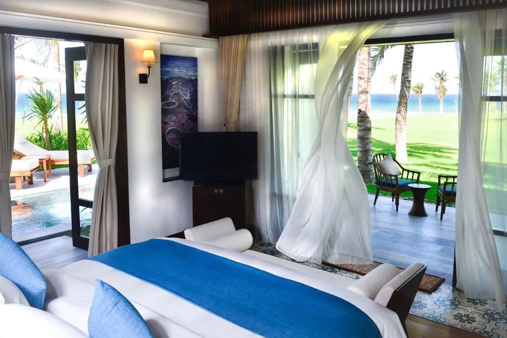 [Hot Promotion] Ocean Front Pool Villa