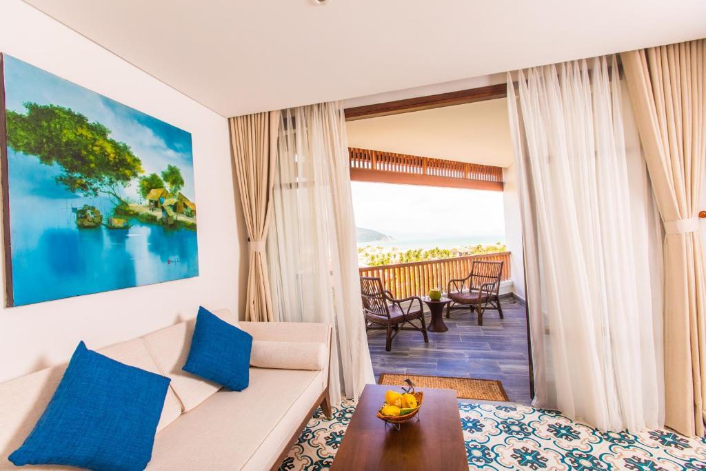 [Hot Promotion] Balcony Sea View