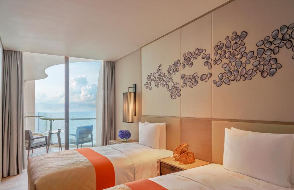 3 Bedroom Grand Ocean View Residence